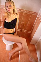 Bathroom Teen Waiting For You - Picture 10